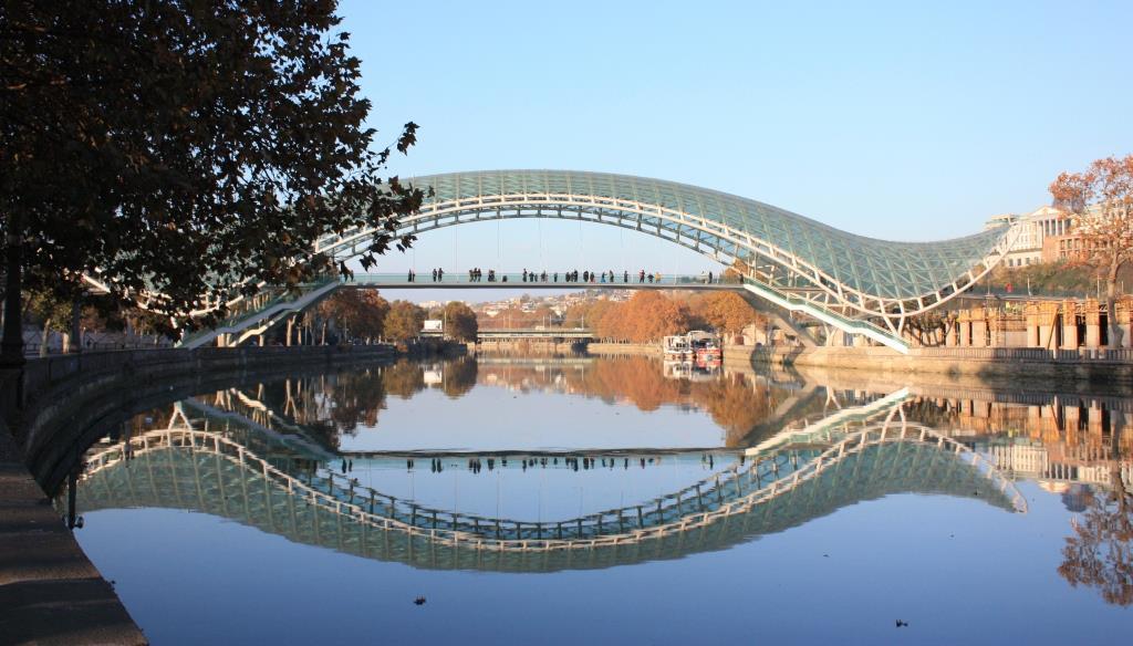 Tbilisi-Georgia_Bridge-of-Peace_George-Mel_CC-BY-SA-20_compressed
